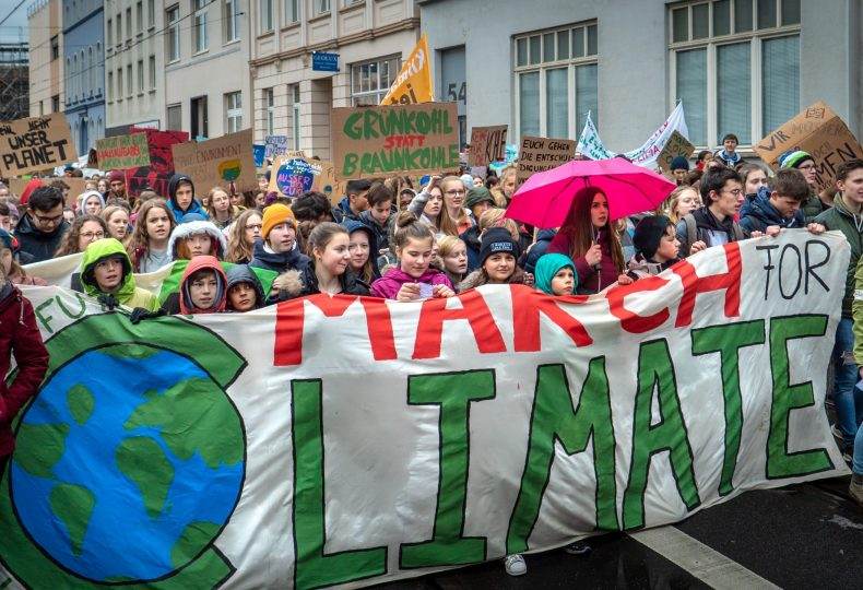 Fridays for Future, 15.03.19, Bonn Photo by Mika Baumeister on Unsplash